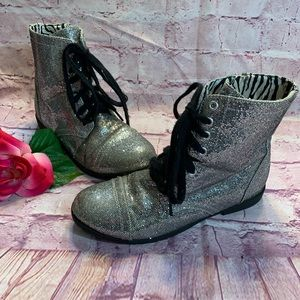 Justice Girls Size 5 Silver Lace Up Boots